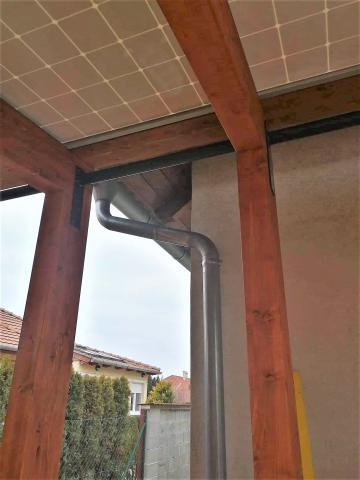 Napelemes autobeallo ragasztott fa szerkezettel 05