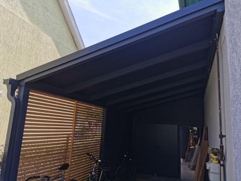 Ragasztott fa szerkezetű korcolt lemez fedésű zárt garázs 03